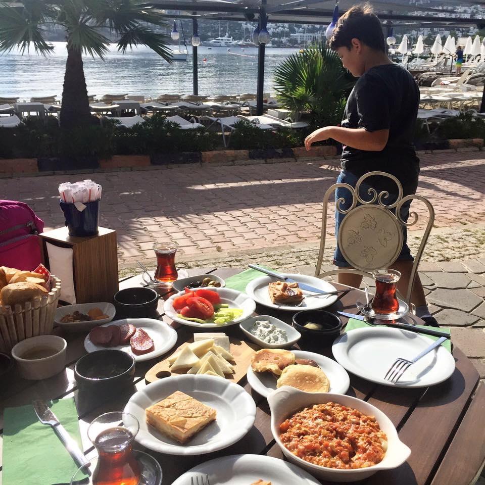 costa farilya kahvaltı